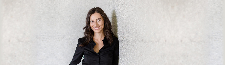 Melanie Pfeifer Slider 1